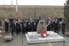 2016-02-02 Uczcili pamięć zamordowanych obok dębickiej cegielni